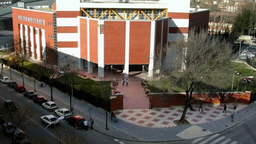 """La Universidad de Alcalá reanuda su actividad presencial con """"normalidad"""" tras el temporal"""