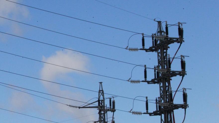 El precio de la electricidad se dispara hasta los 85 euros por MWh y toca nuevos máximos en plena ola de frío