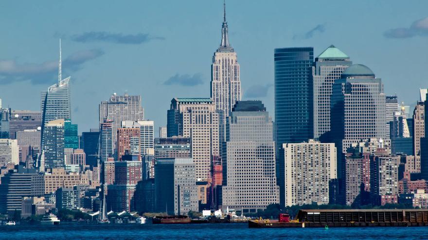 La aguja del Empire State destaca sobre los tejados de Nueva York. GRACIELA BERRINO