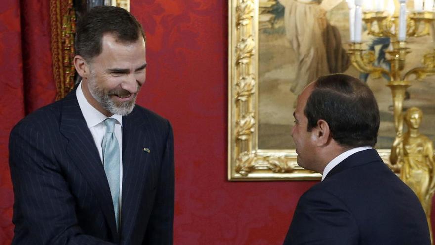 Felipe VI recibe al presidente egipcio Al Sisi en el Palacio Real de Madrid