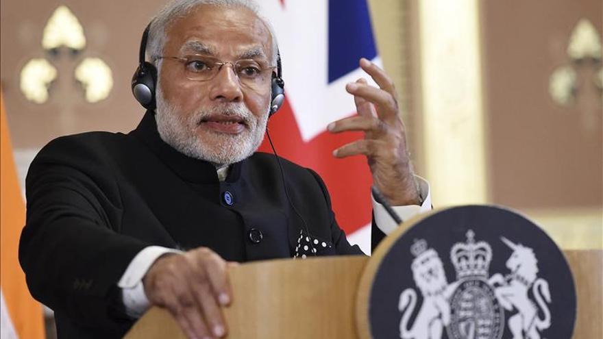 """La India y la UE retomarán """"pronto"""" las negociaciones del TLC"""