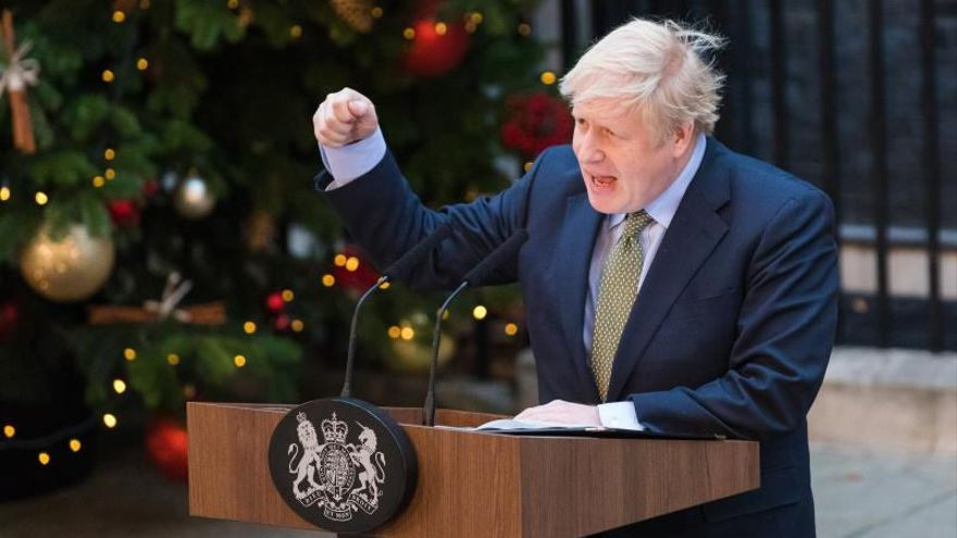 """Johnson impedirá por ley una extensión del periodo de transición del """"brexit"""""""