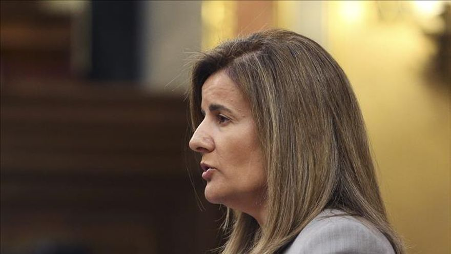 Báñez dice que aún se negocia si agentes sociales gestionarán la formación