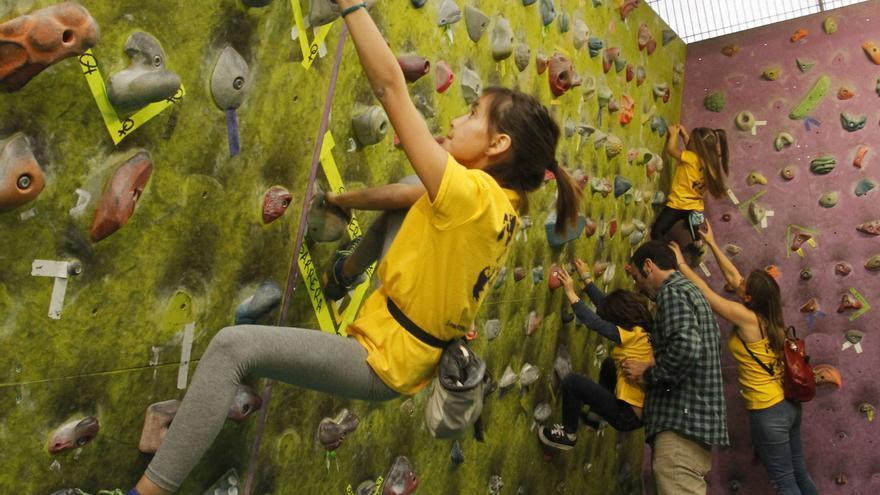 Climbing-Girl Party.