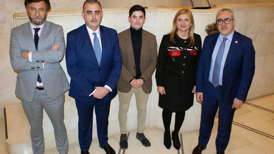 Diputados de Vox, PP, Cs, PSOE y PRC en el Parlamento de Cantabria.