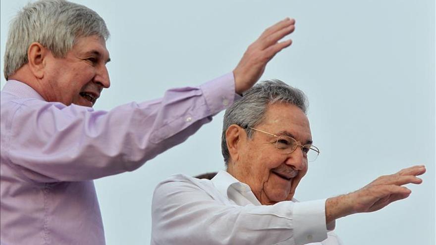 El recuerdo a Hugo Chávez protagoniza el Primero de Mayo en Cuba