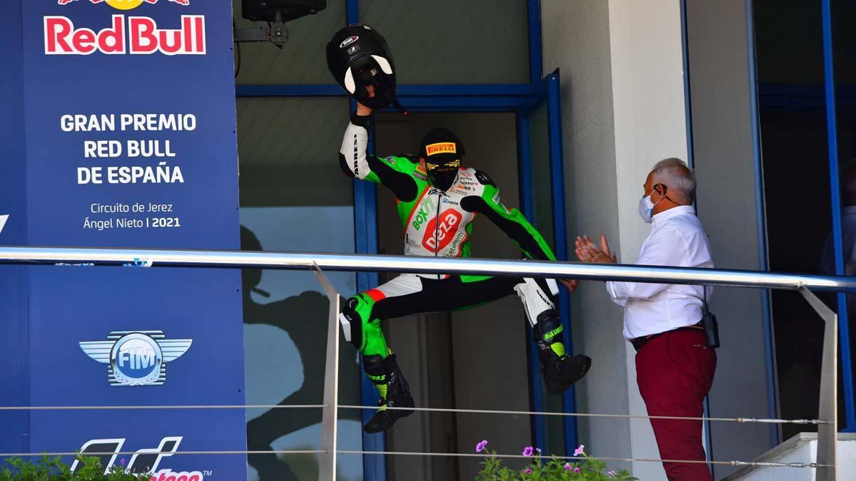 Bruno Baños celebra su triunfo en Jerez de la Frontera