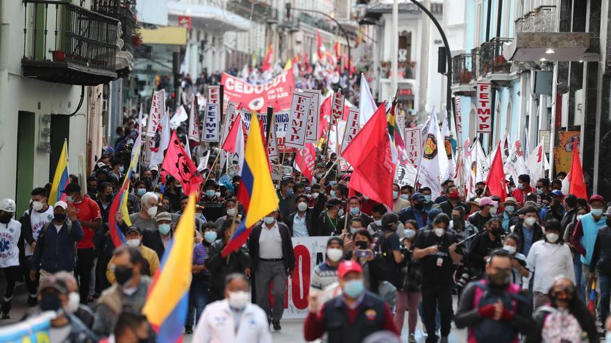 Una protesta social desinflada marcha en Quito contra el presidente Lasso