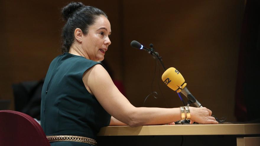 La sargento del Seprona de Lanzarote, Gloria Moreno, en la segunda sesión del juicio. (ALEJANDRO RAMOS)
