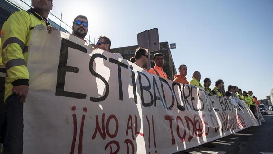 El Puerto de Bilbao opera 15 buques sin incidencias ante la huelga de estibadores