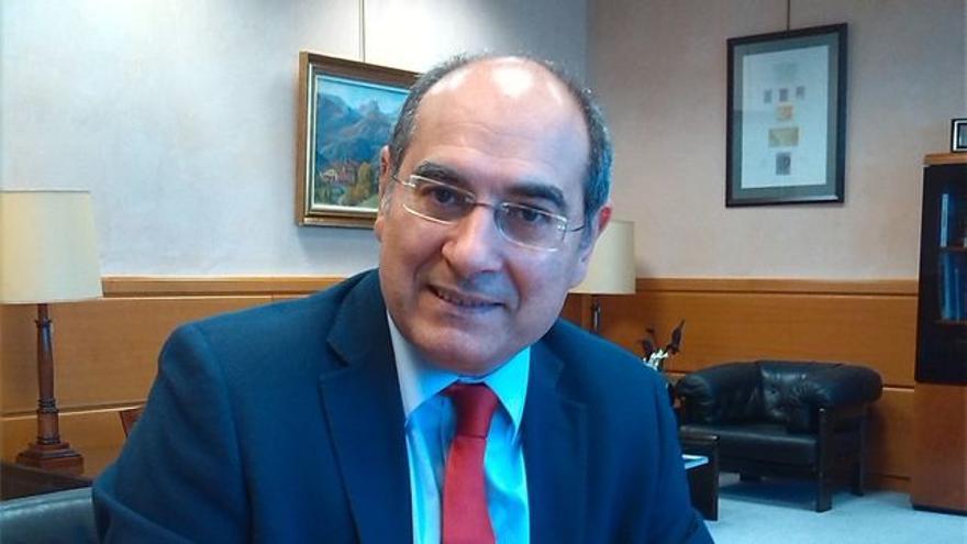 El consejero de Salud, Jon Darpón.