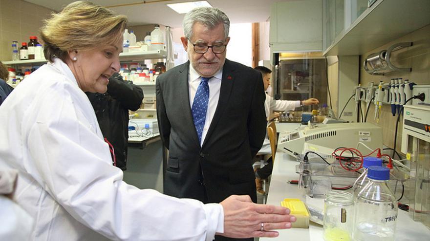 El consejero de Educación, Cultura y Deportes, Ángel Felpeto, ha visitado el Campus de la Fábrica de Armas.