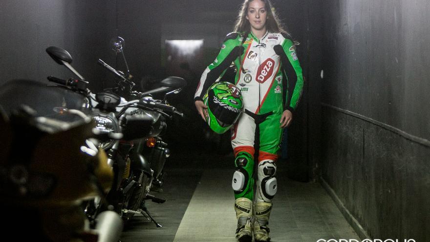 La piloto cordobesa Andrea Sibaja | MADERO CUBERO