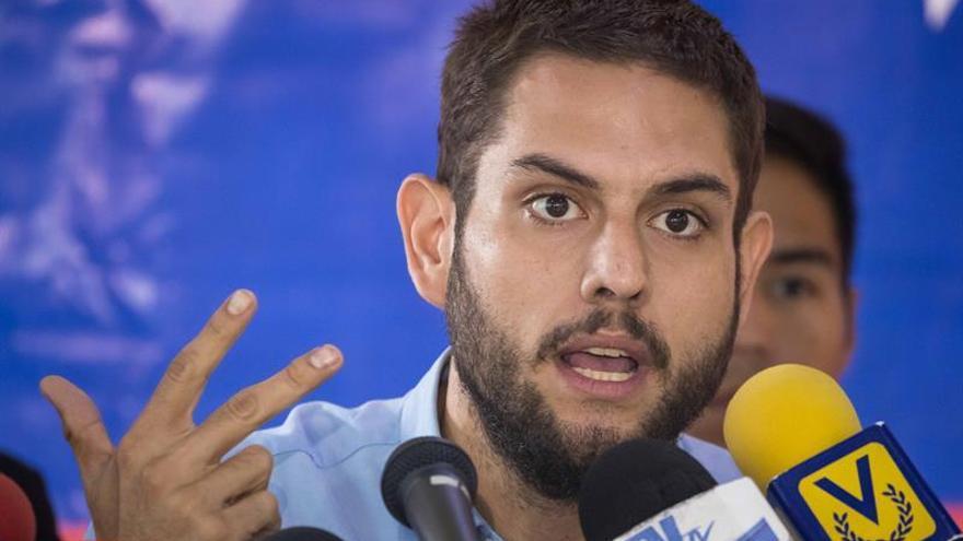 Diputado habla con su familia tras 100 horas de detención por el atentado a Maduro
