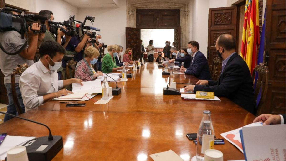 Un momento de la reunión interdepartamental de la Generalitat Valenciana.