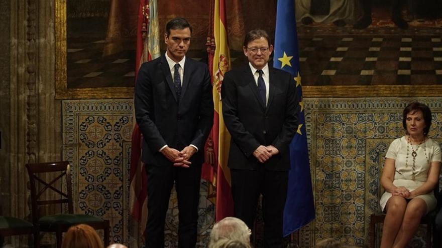 El presidente del Gobierno, Pedro Sánchez, junto al presidente del Consell, Ximo Puig