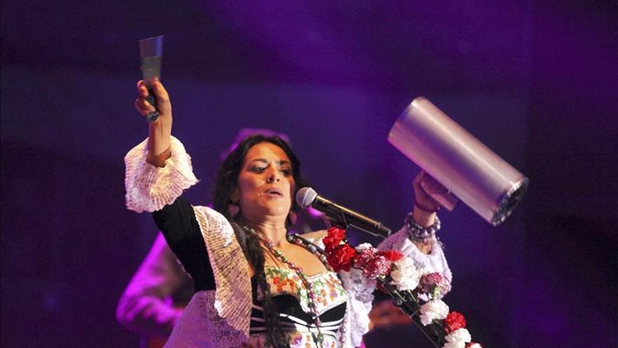 Lila Downs honra a los muertos ante un abarrotado Auditorio Nacional