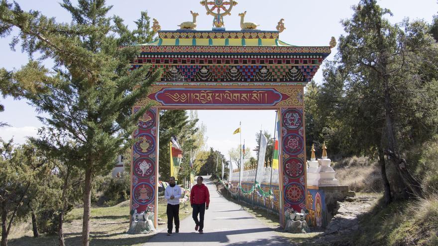 Entrada principal del templo Dag Shang Kagyu