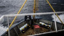 La ONG Sea Watch navega hacia Sicilia para refugiarse de un temporal con 47 rescatados sin puerto seguro
