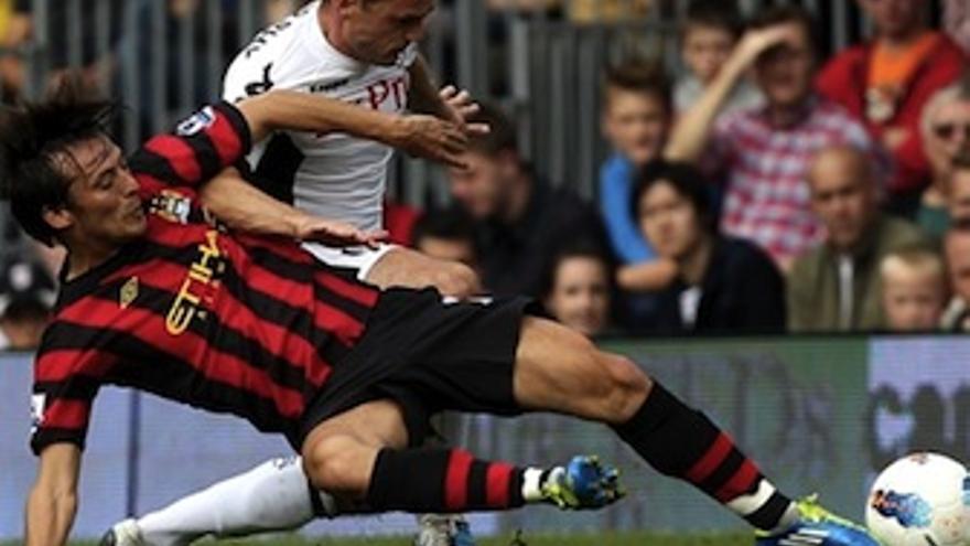Silva lucha por el cuero en el choque ante el Fulham. (mcfc.com.uk)
