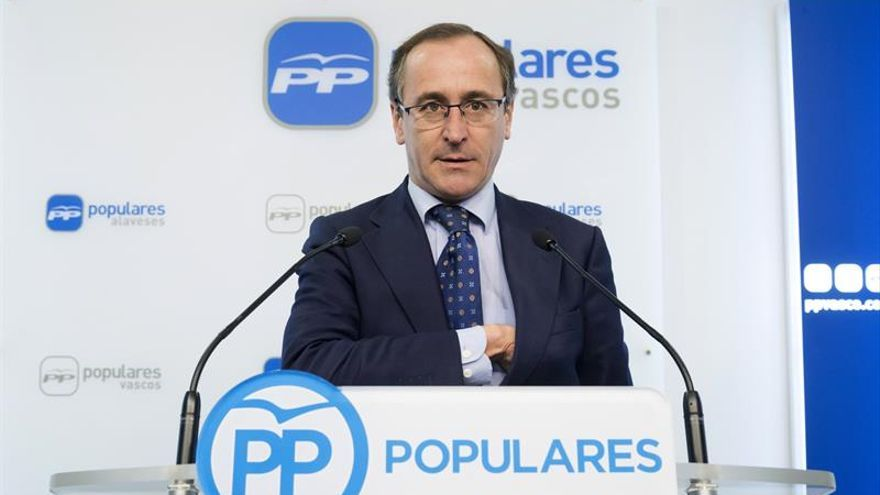 """Alonso no ve problema en que Cospedal siga hasta el congreso y después """"ya veremos"""""""