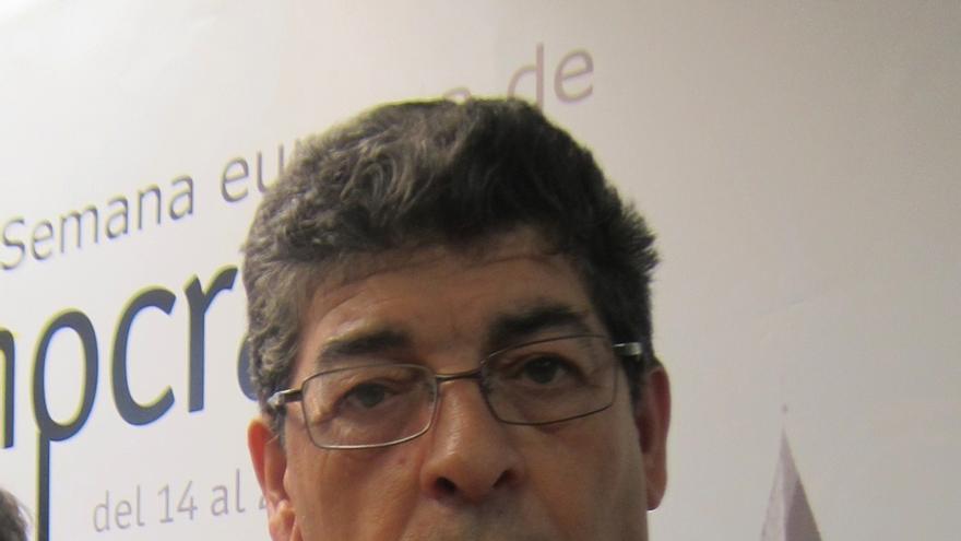 """Valderas se alegra de que Podemos empiece """"a entender bien"""" el mensaje de """"convergencia y puertas abiertas"""" de IU"""