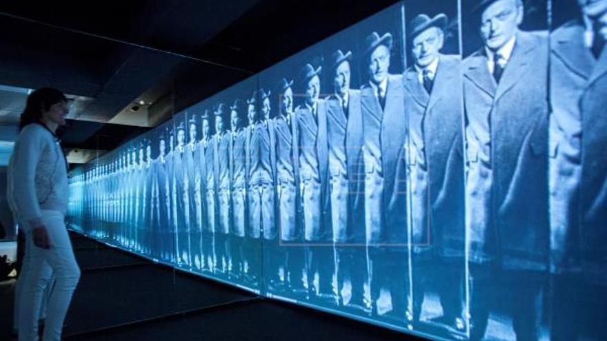 Espejos: Dentro y fuera de la realidad. Exposición CosmoCaixa. Barcelona. EFE