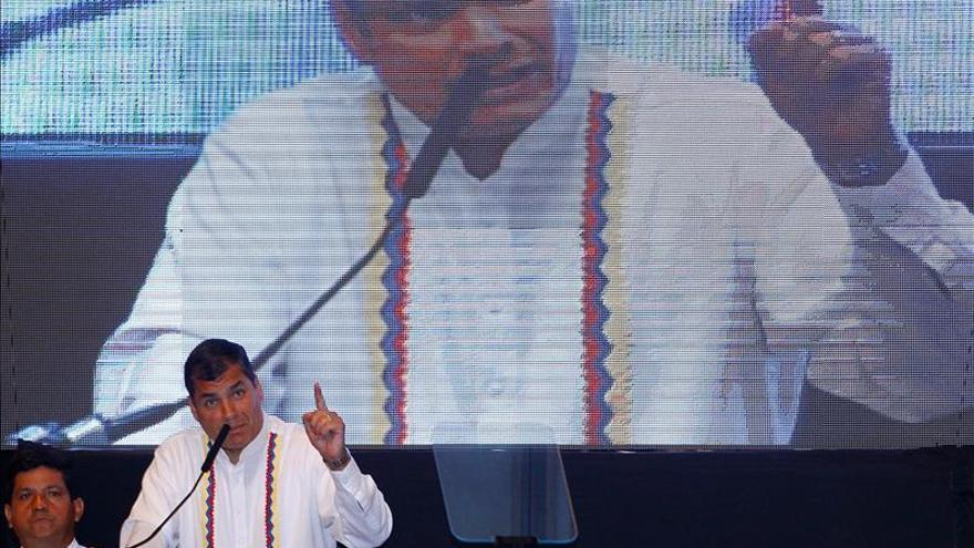 El presidente de Ecuador llega a la emisión 400 de su programa semanal