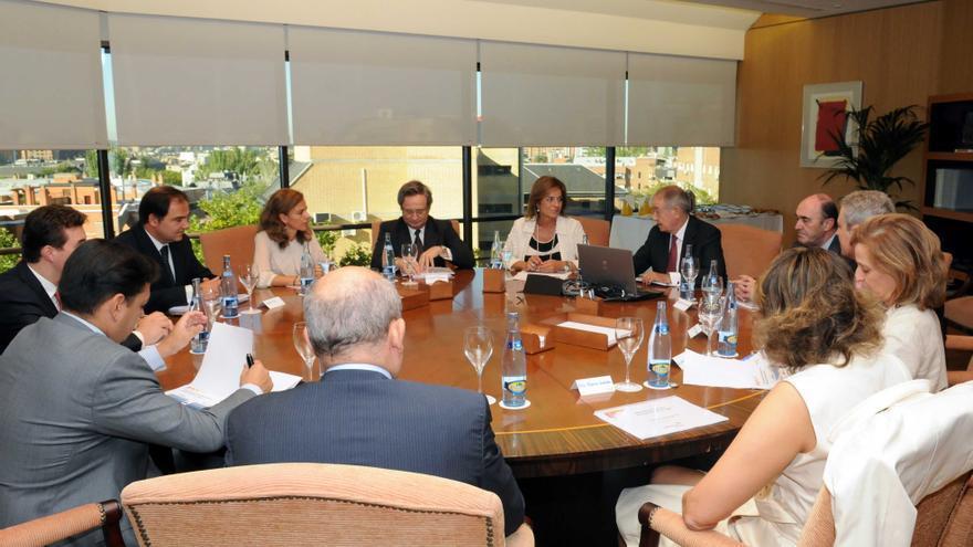 Botella visita la sede de gas natural fenosa en madrid for Oficinas gas natural fenosa madrid
