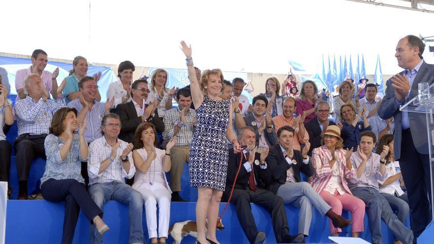 Esperanza Aguirre y la vicepresidenta Sáenz de Santamaría, en un acto con la cúpula del PP de Valdemoro