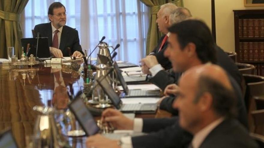 Rajoy, Cañete, Guindos, Soria, Morenés y Báñez tienen un patrimonio superior al millón de euros