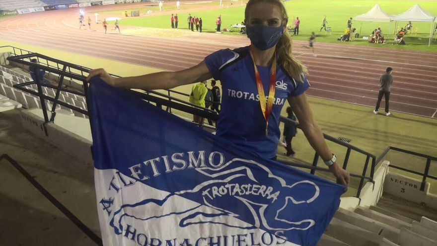 Raquel Hernández, tras su oro en 1.500 metros | TROTASIERRA