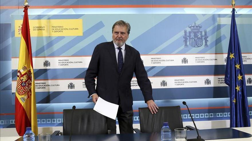 Méndez de Vigo y CCAA debaten hoy el calendario de la Lomce para este curso