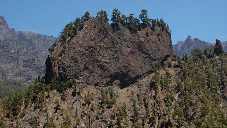 En la imagen, el Roque Salvaje en el interior de la Caldera de Taburiente.