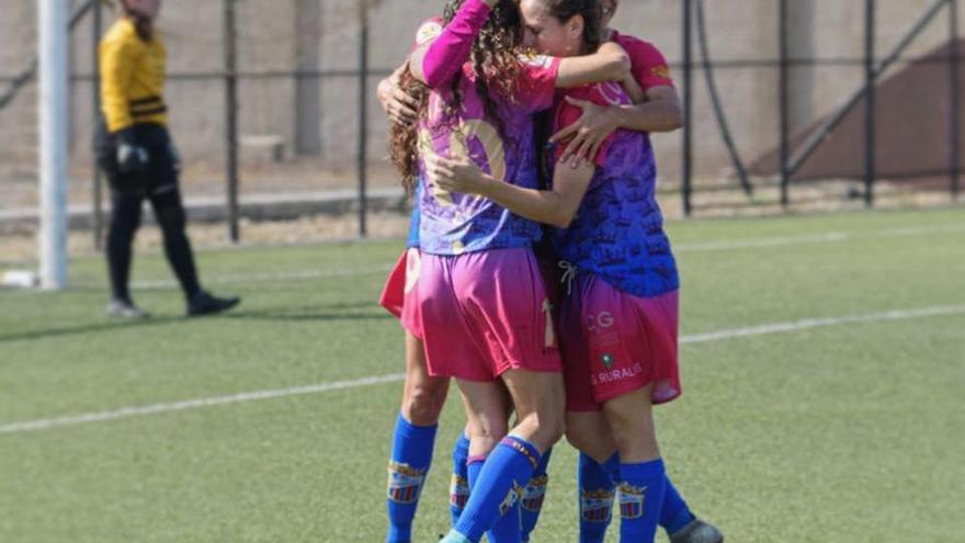 """El Juan Grande estrena su campaña de abonos: """"¿Cuánto fútbol femenino ves?"""""""