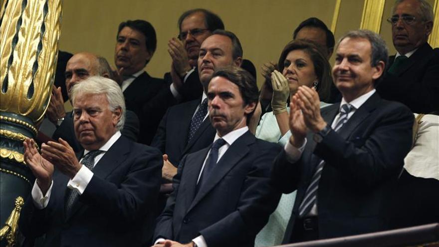 Los expresidentes del Gobierno valoran el discurso del Rey