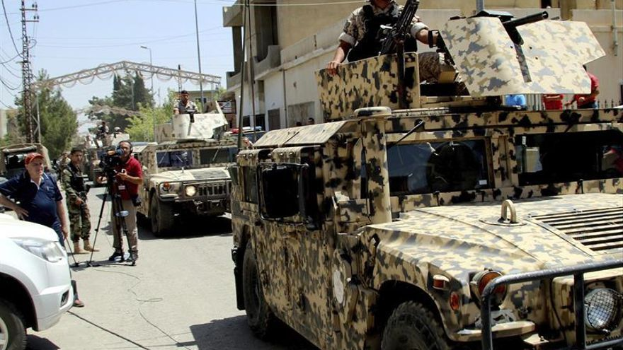El Ejército bombardea posiciones del Estado Islámico en el noreste del Líbano