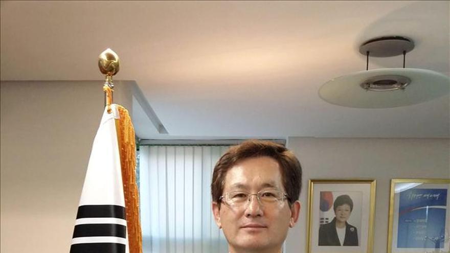 """En el """"milagro coreano"""" fue clave el pacto social, dice el embajador en Madrid"""