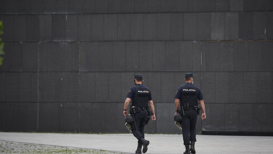 Agentes de la Policía Nacional en Pamplona.