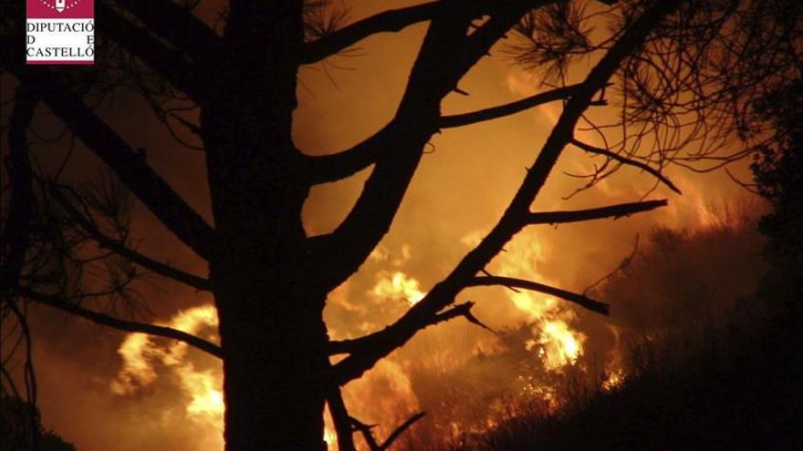 Controlado el incendio declarado en límites de Sierra de Espadán (Castellón)