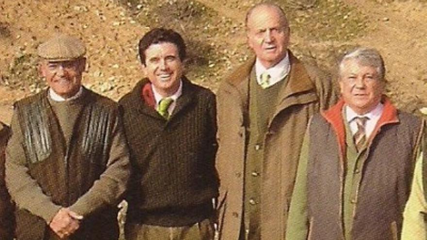 Gerardo Díaz Ferrán, Jaume Matas, el rey Juan Carlos y Arturo Fernández. Foto: La Celosía