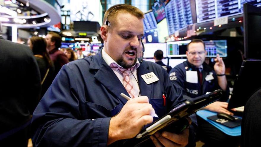 Wall Street sigue al alza con récords del S&P 500 y del Nasdaq