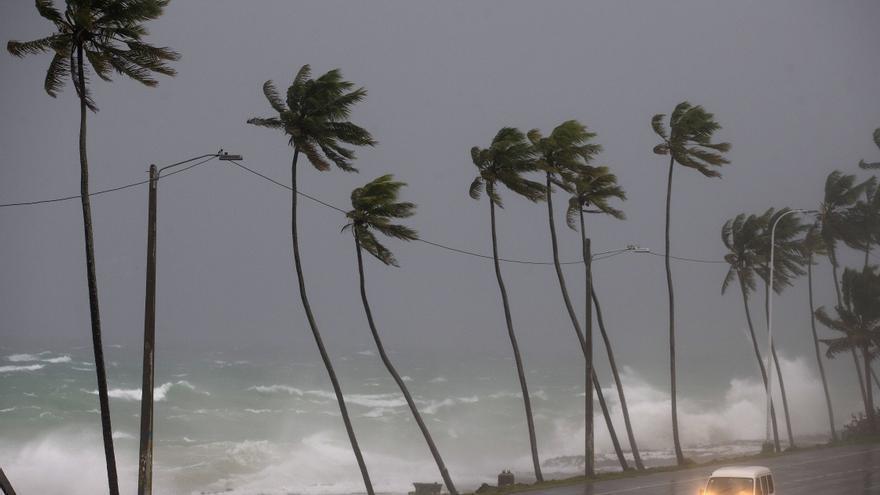 Barbados y San Vicente y Granadinas emiten vigilancia de tormenta tropical