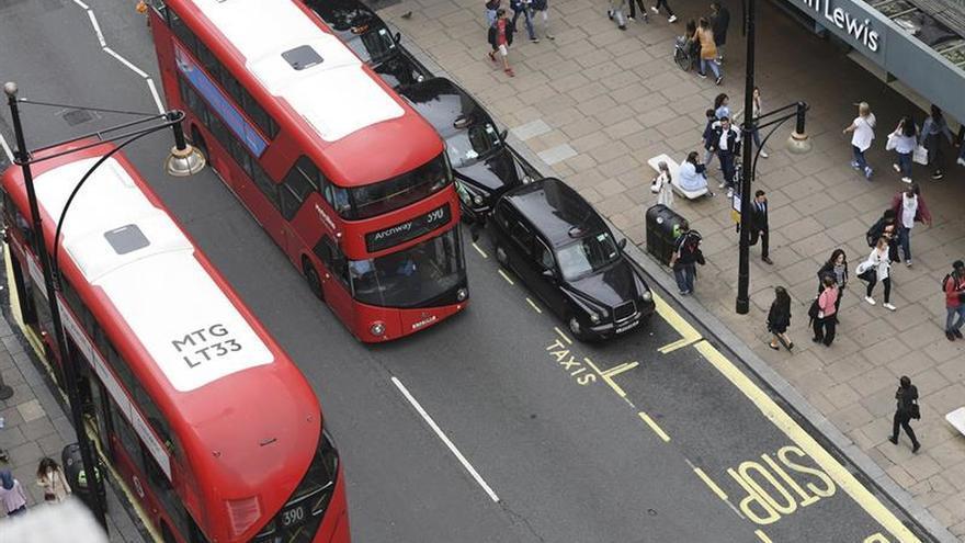Londres implanta un peaje de tráfico a los coches más contaminantes