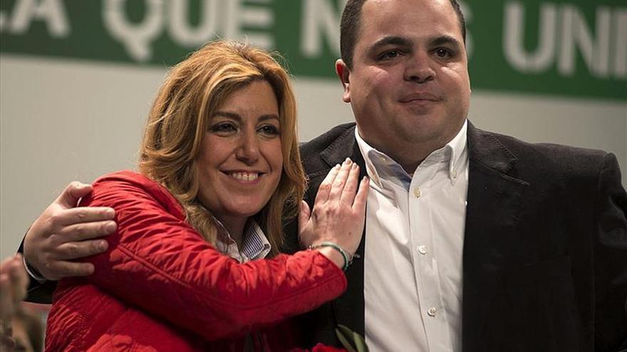 """Díaz acusa a Rajoy de """"venir a Andalucía a hacer turismo"""""""