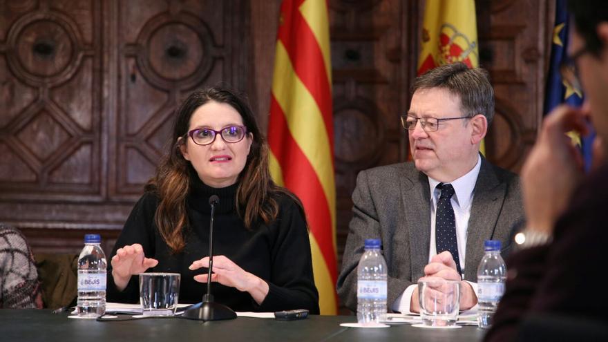 El president Ximo Puig y la vicepresidenta Mónica Oltra durante la presentación del barómetro de la Generalitat Valenciana