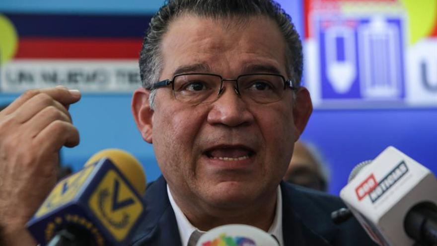 La oposición venezolana pide que el diálogo sirva para resolver la crisis económica