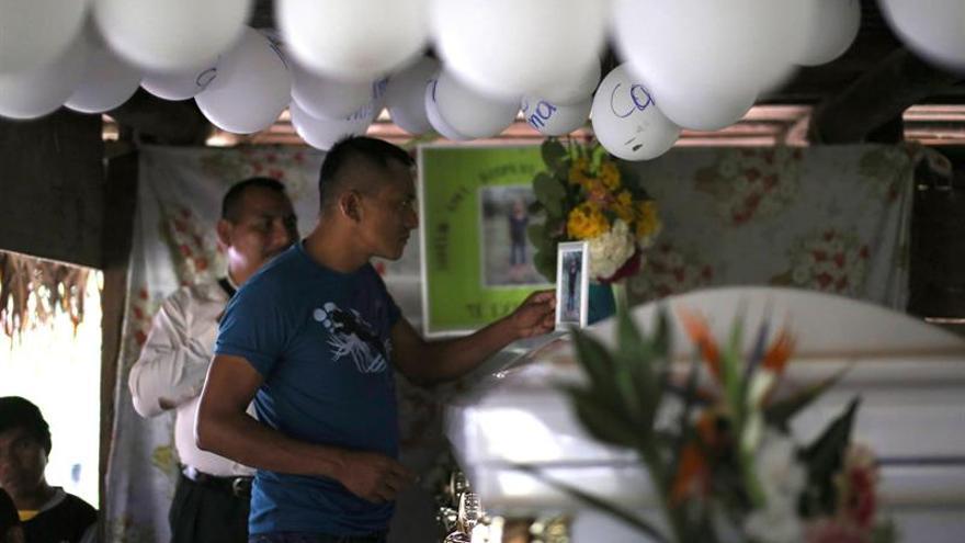 Muere un niño inmigrante tras ser detenido en la frontera de EE.UU. y México