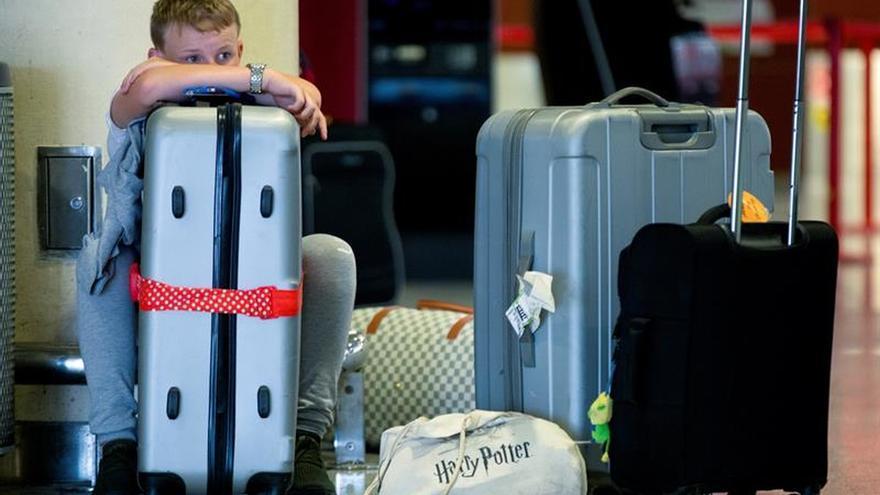 Fomento se reunirá con Ryanair tras anunciar que cobrará por equipaje de mano