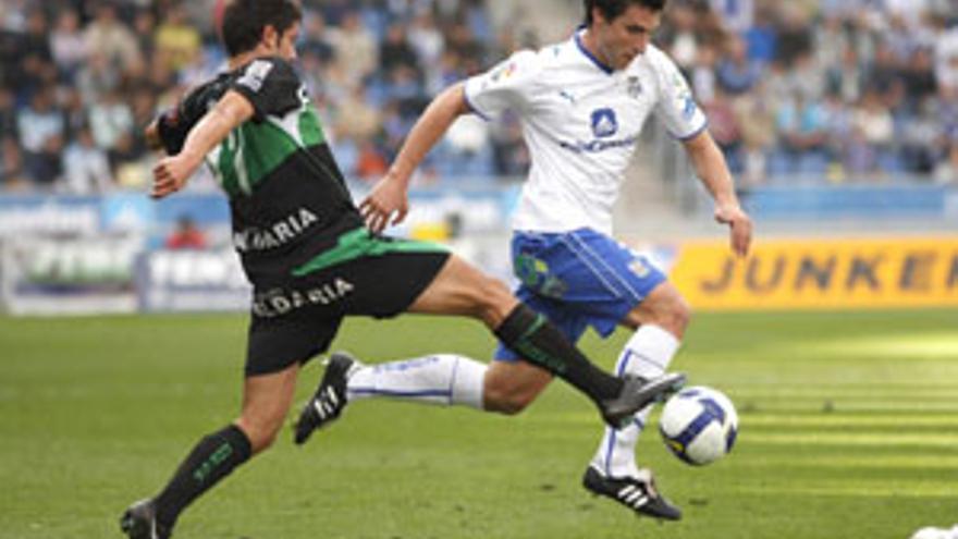 Marc Bertán, en un partido de la temporada pasada. (CANARIAS AHORA)